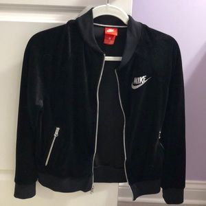 NIKE xs black velvet zip up jacket (no hood)